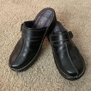Black, Eastland Memory Foam Closed Shoes- Sz 9.5